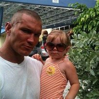 Randy-Orton-Daughter_jpg_pagespeed_ce_uMo2rL3G4r